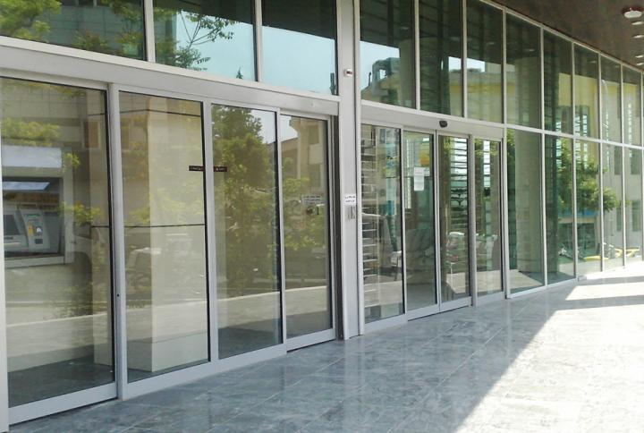 sliding-doors-PIC-11-1024x674